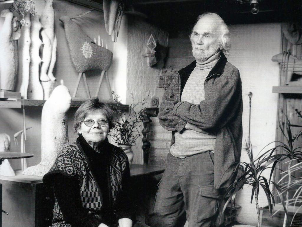 Studijoje su žmona Dalia. 2004